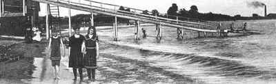<b>Bathing at Victoria Beach<b>