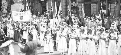 <b>Cobourgs Centennial - 1937<b>