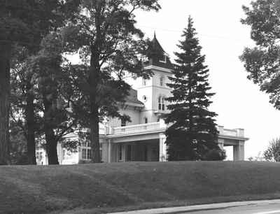 <b>Rene's White House<b>