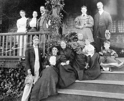 <b>A group of Cobourg Residents and American summer visitors - 1895<b>