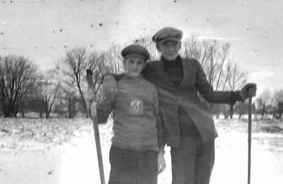 Hockey game at Mud Lake 1922