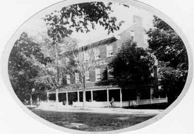 <b>Columbian Hotel<b>