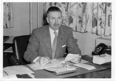 <b>Gordon King - c.1958<b>