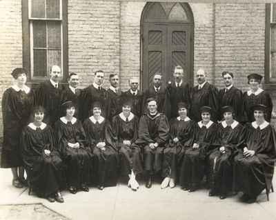 <b>Cobourg Congregational Church Choir c.1925<b>