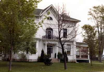 Illahee Lodge