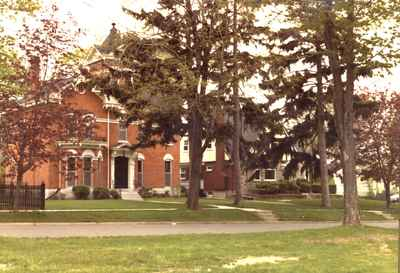 <b>Mulholland House<b>