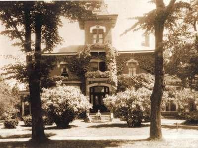 <b>D. Hooey residence<b>