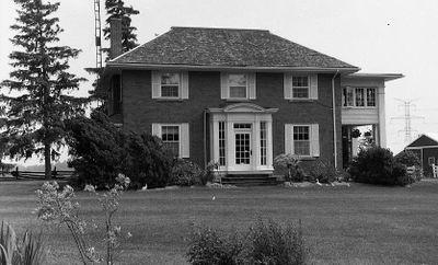 Georgian Style 2 Story Brick House