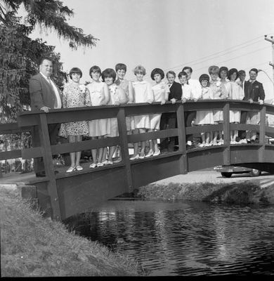 Speyside School Grads on Acton Bridge