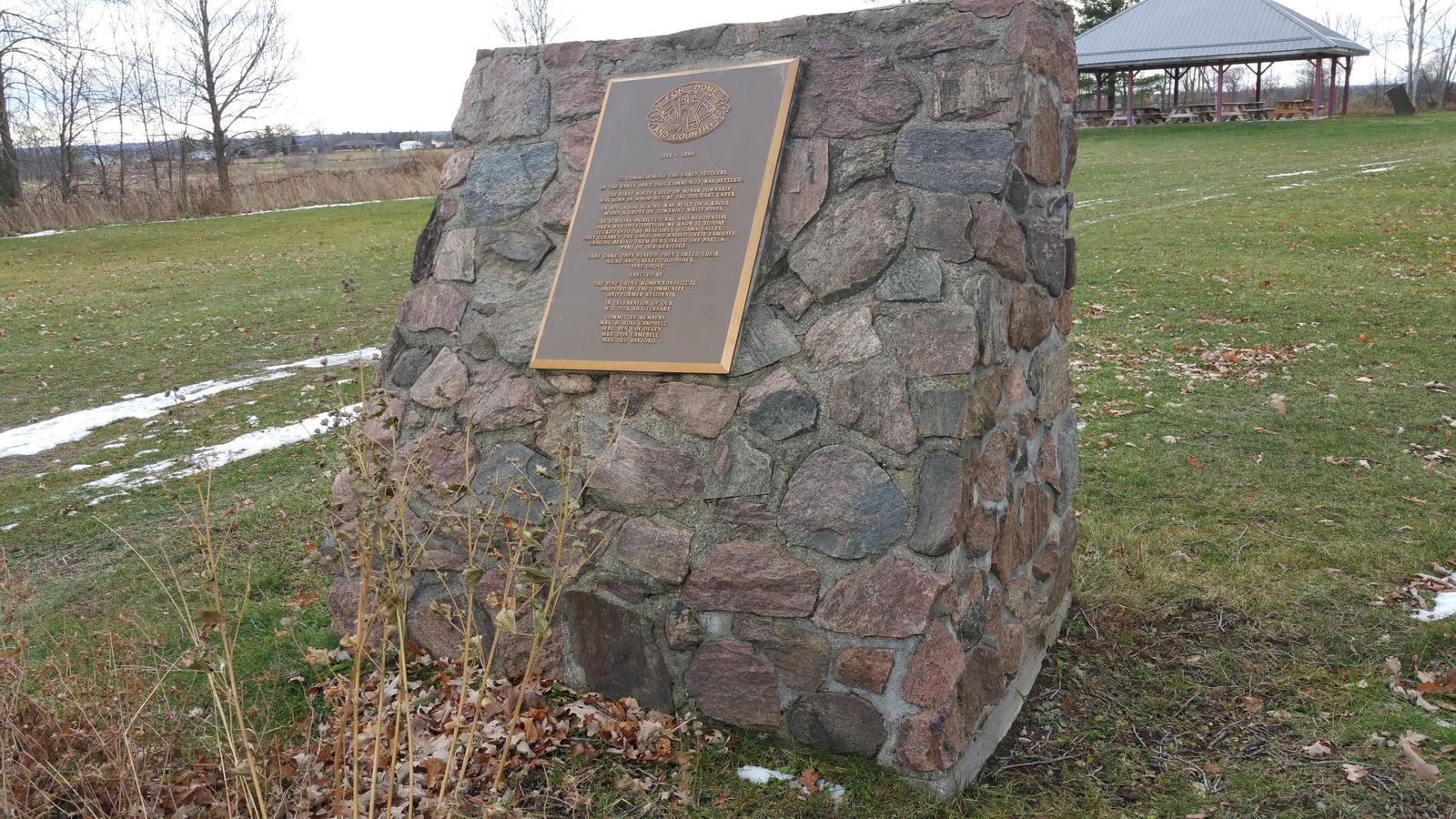 Pine Grove Cairn Commemorating the Early Settlers