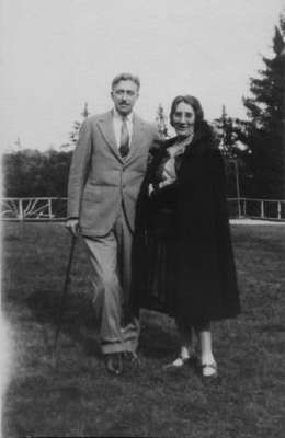 Agnes Macphail with an unidentified gentleman