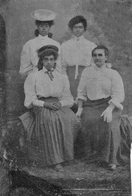 Sarah Hartley Shepherd and three daughters