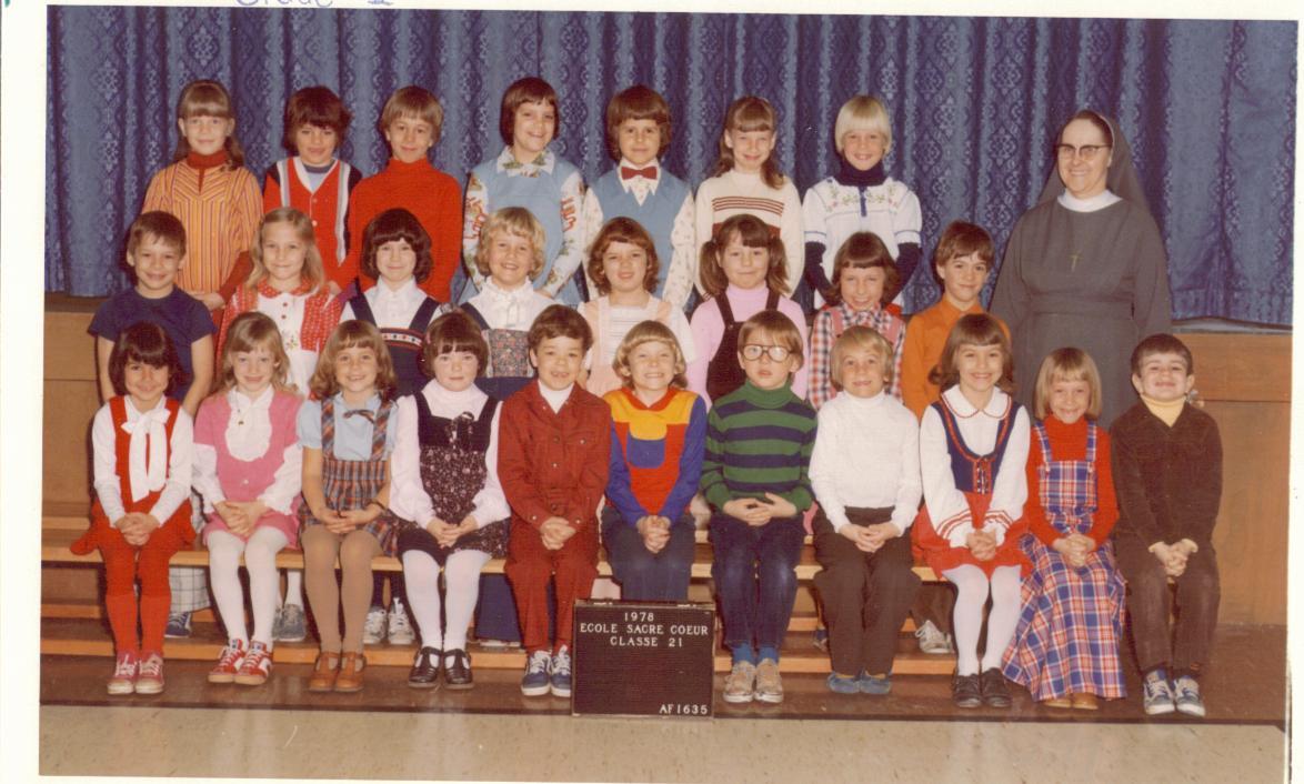 Gr 2 Sr Gisele Class Sacre Coeur 1978
