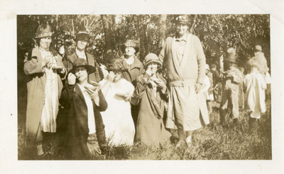 Ladies and children picnic, 1925