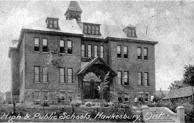 L'école secondaire publique - Public High School