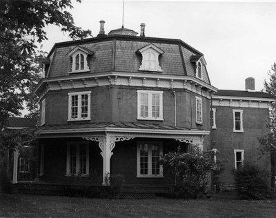 La maison Higginson, l'Octogone - The Octogonal, the Higginson house.