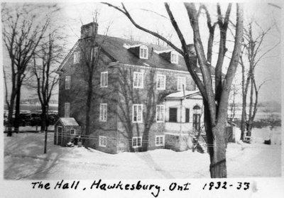 """""""The Hall"""", la résidence de Georges Hamilton. - """"The Hall"""", Georges Hamilton's residence."""