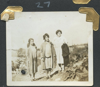 Floretta, Essie, Julie, [C]louse