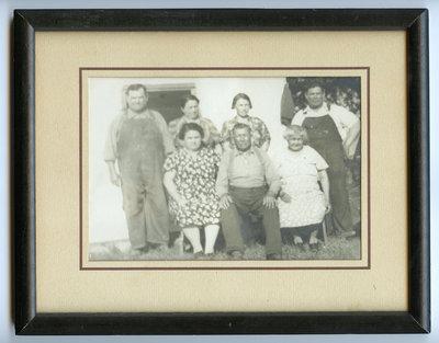 Nicholas Hill, Catherine, Mae, William Isaac, Maggie Maracle, John Hill (John S.), and Clara Blaker