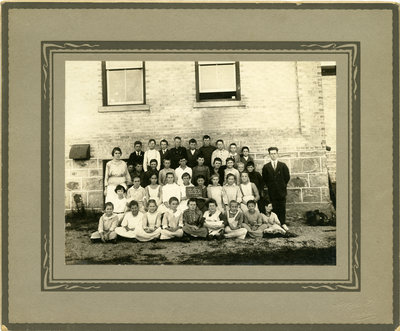School Section Number 5, Floradale, Ontario - senior group class, November 1921