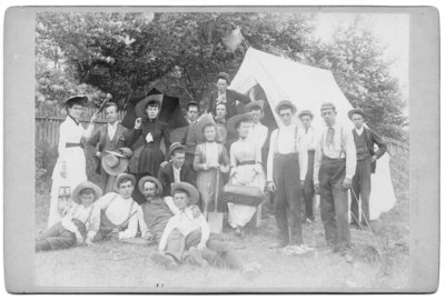 Group portrait of holiday makers at Port Stanley, Ontario
