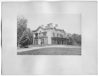 Unidentified Victorian stone mansion near London, Ontario(?)