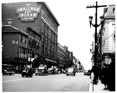 Dundas Street, looking west from Richmond Street, London, Ontario