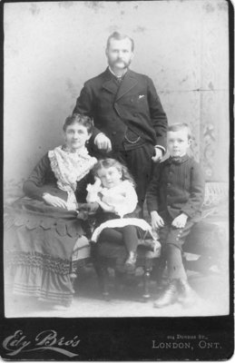 Portrait of an unidentified family of four, London, Ontario