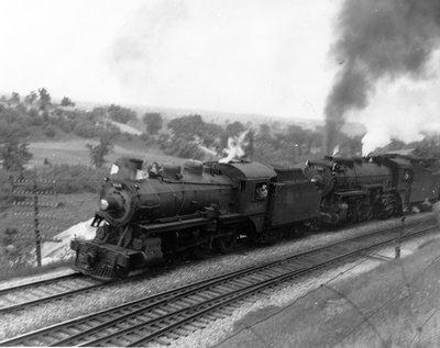 Steam train at the Escarpment
