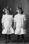 Freida and Eileen Harrison, b.1899