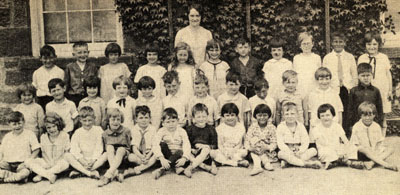 Grade one class at Bruce Street School, Milton