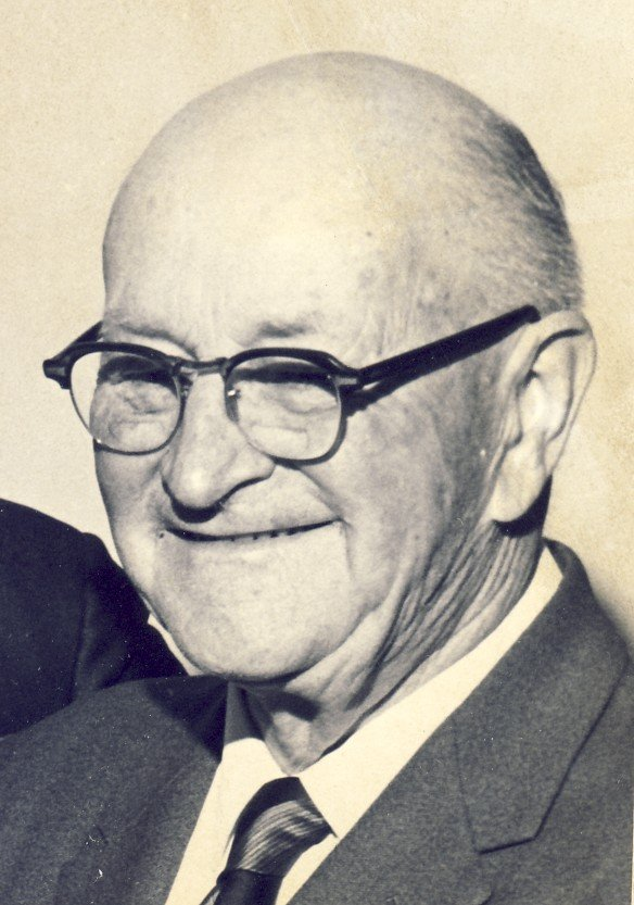 Dr. Hugh Reid Macdonald