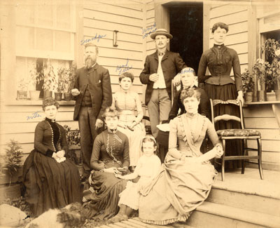 Best and Chestnut Family Photograph, circa 1900
