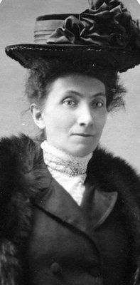 Portrait photograph of young Elizabeth C. Ascher