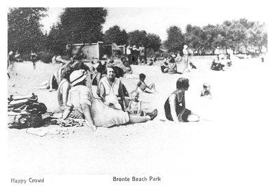"""Happy Crowd"" Bronte Beach Park"