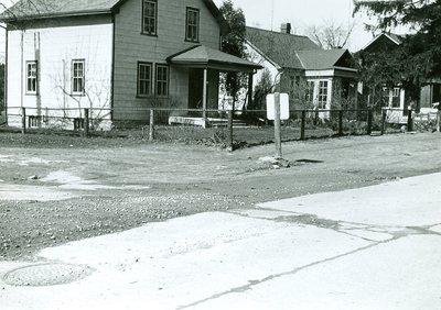 90 Kerr St. North