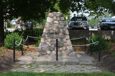 Bronte Cenotaph, Bronte Gore Park