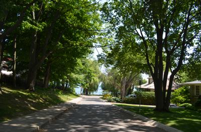Approaching the lake from Dunn Street