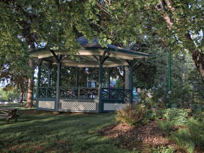 Bandshell at Lakeside Park