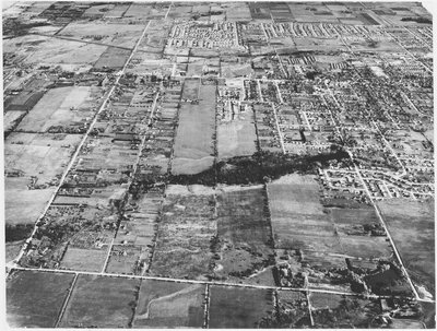 Aerial photograph of Richmond Hill with Yonge Street in upper part