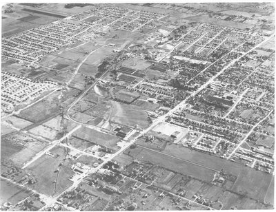 Aerial photograph of Richmond Hill showing Yonge Street route