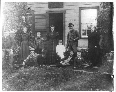 Routledge family of Oak Ridges