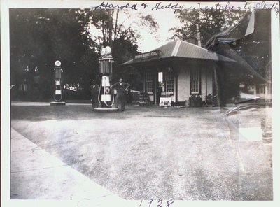Imperial Oil Gas Station, 215 Queenston Street