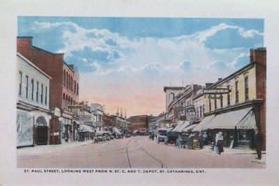 Souvenir Folder of St. Catharines: St. Paul Street Looking West