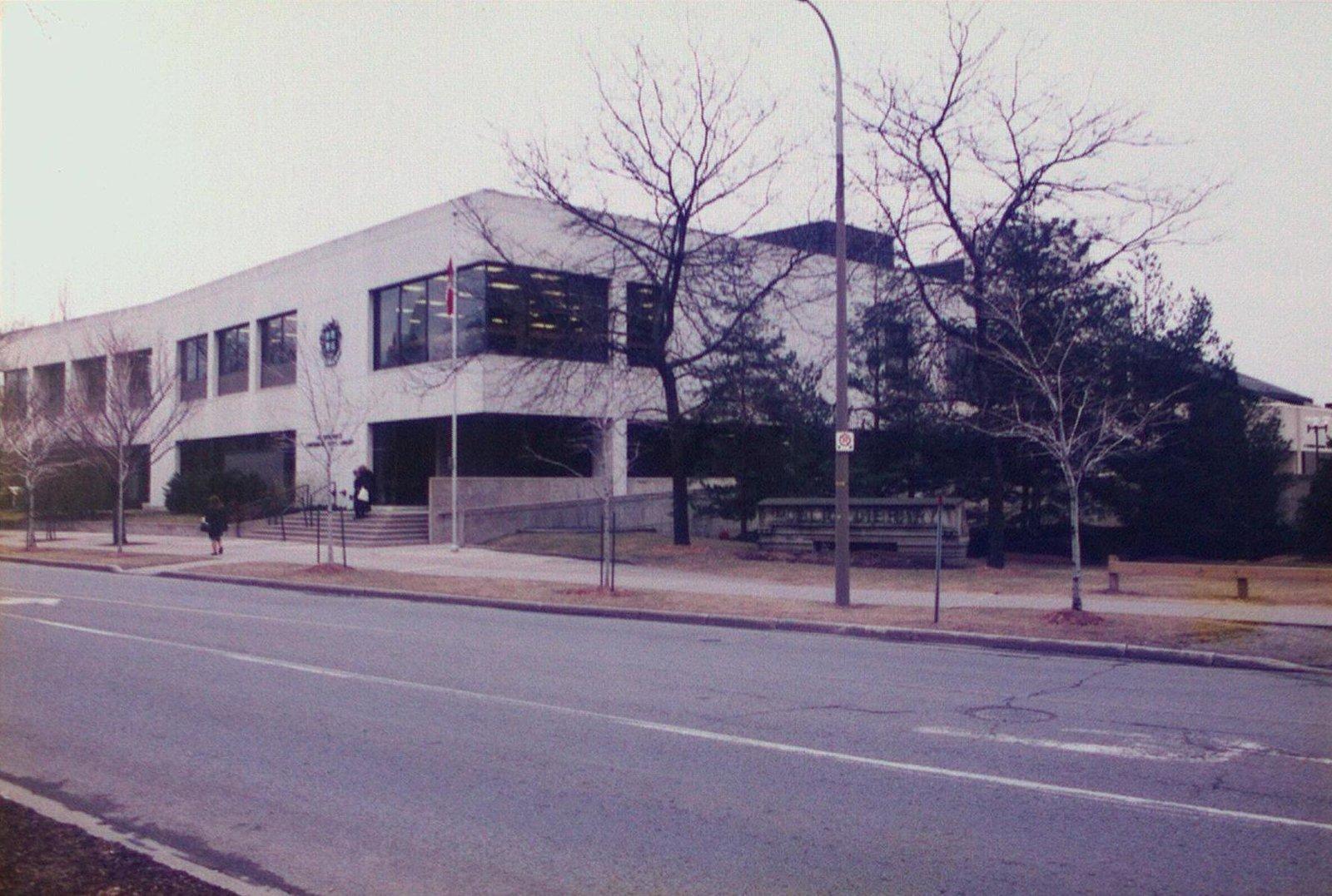 The Public (Centennial) Library