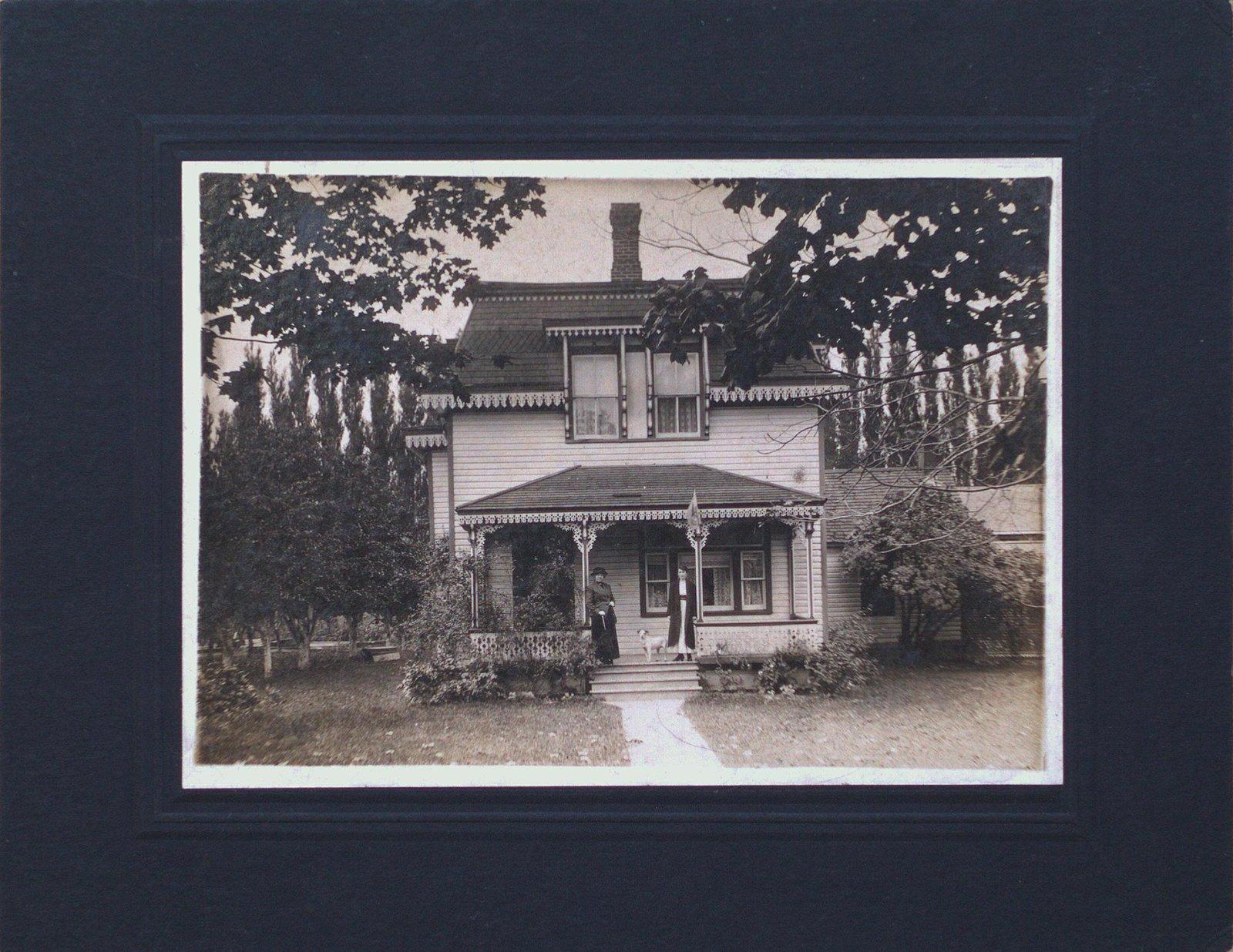 Walter's House, Grimsby Beach