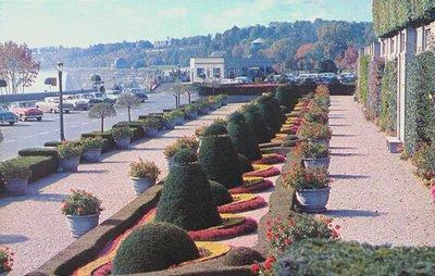 Oakes Gardens and the Niagara Parkway