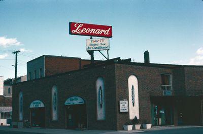 Leonard Motor Inn