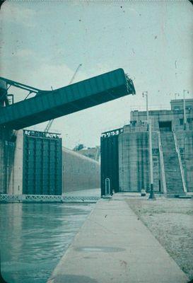 Bridge 6 over the Welland Ship Canal