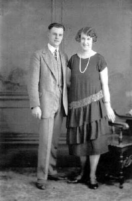 Studio photograph of an unidentified couple, Smiths Falls